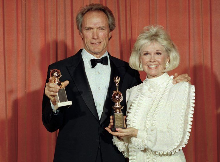1989 Doris Day mit mit Clint Eastwood bei den Golden Globe Awards.