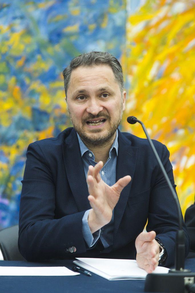 Yilmaz Dziewior