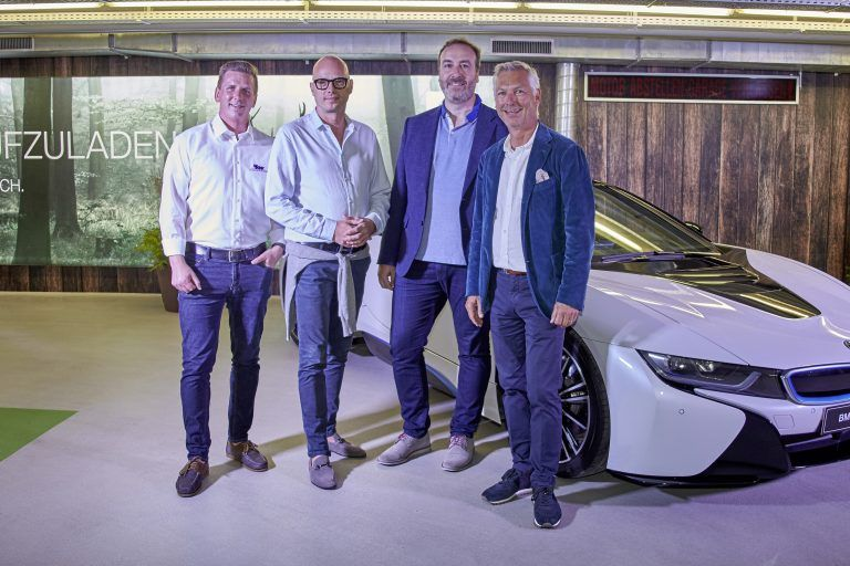 Marcel Kobald (VKW), Christian Morawa (BMW Österr.), Marcus Hartmann (Sports Marketing and Brand Cooperations BMW), Tourismus-Dir. Hermann Fercher.