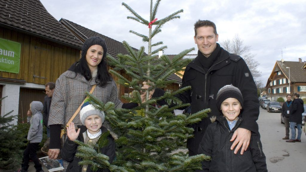 Traditionelles Christbaumschneiden in Watzenegg