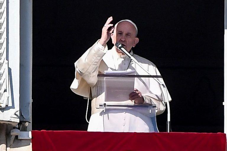 Papst Frau