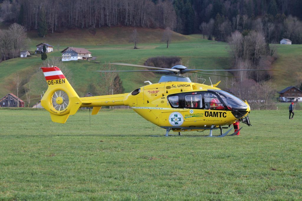 Reanimation nach Unfall in Hard